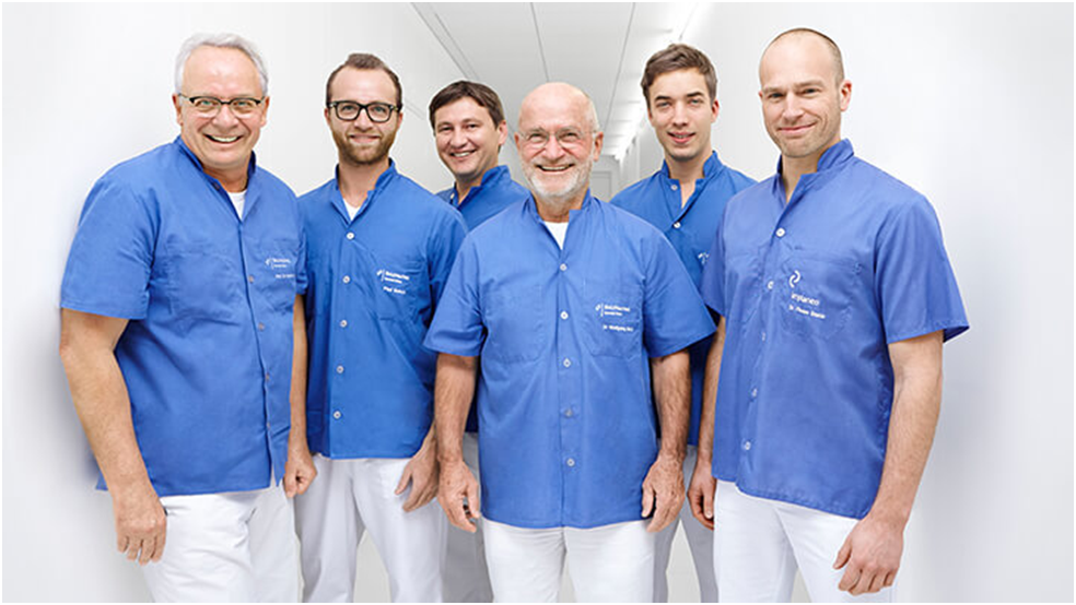 Ärzteteam der Implaneo Dental Clinic in München